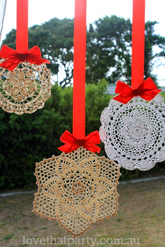 12 magnificent christmas decorations you can make yourself doily snowflake christmas decorations solutioingenieria Images