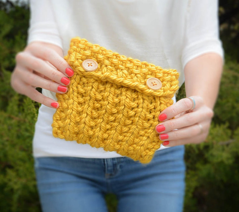 Small knit bag