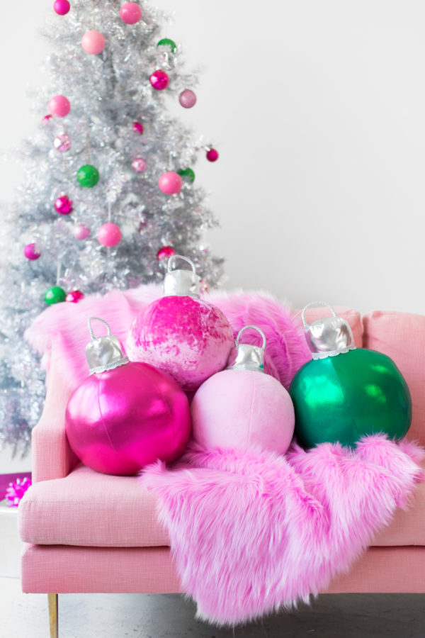 13 Diy Oversized Christmas Decorations