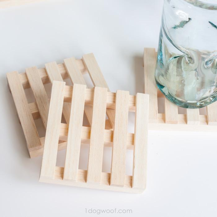 scrap wood pallet coasters