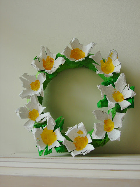 Egg Carton Daisy Wreath