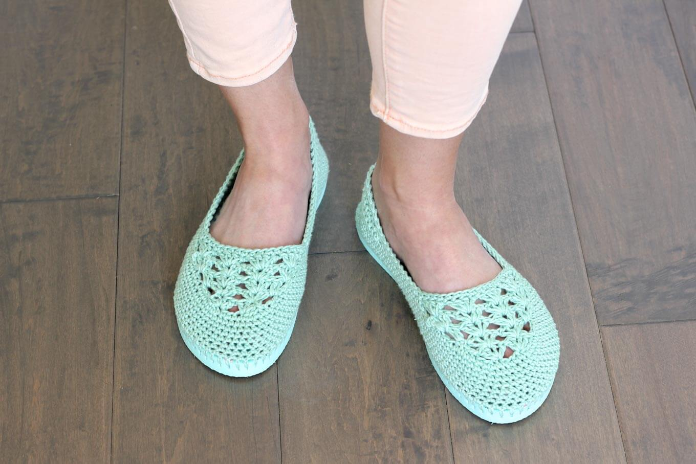17 Free Crochet Patterns For Slippers