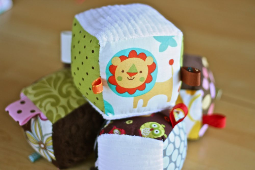 20 Free Toy Sewing Patterns & Tutorials