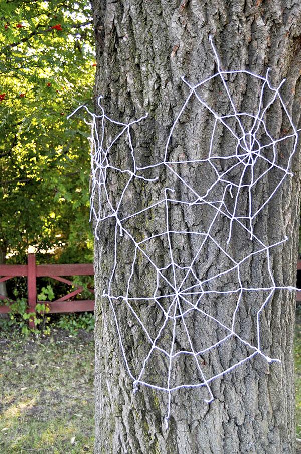 Yarn Spiderwebs