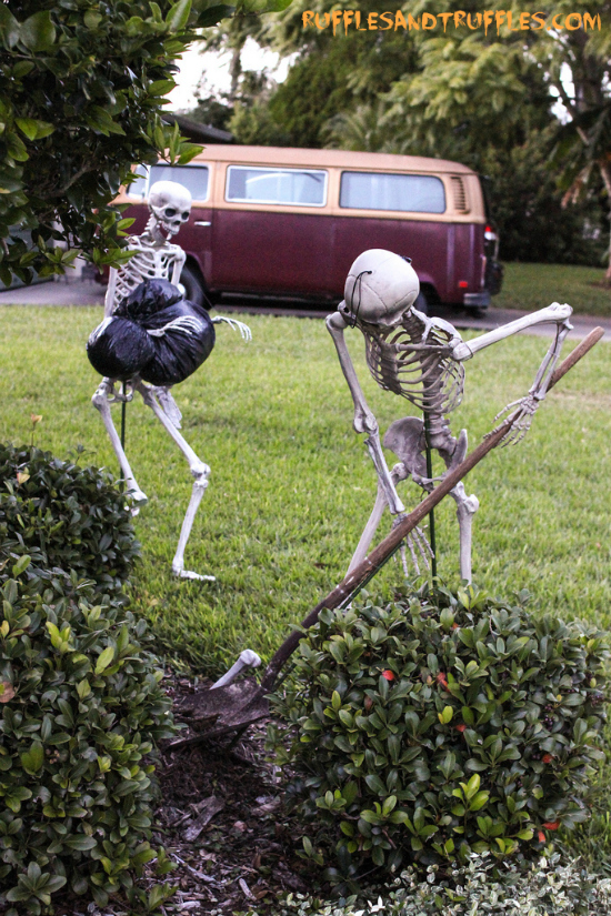 skeleton lawn decor