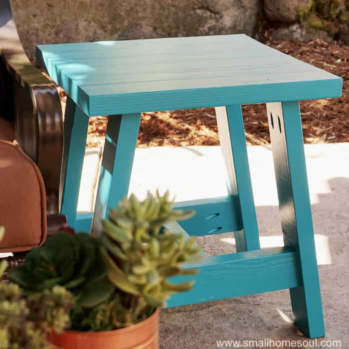 2×4 Outdoor Table