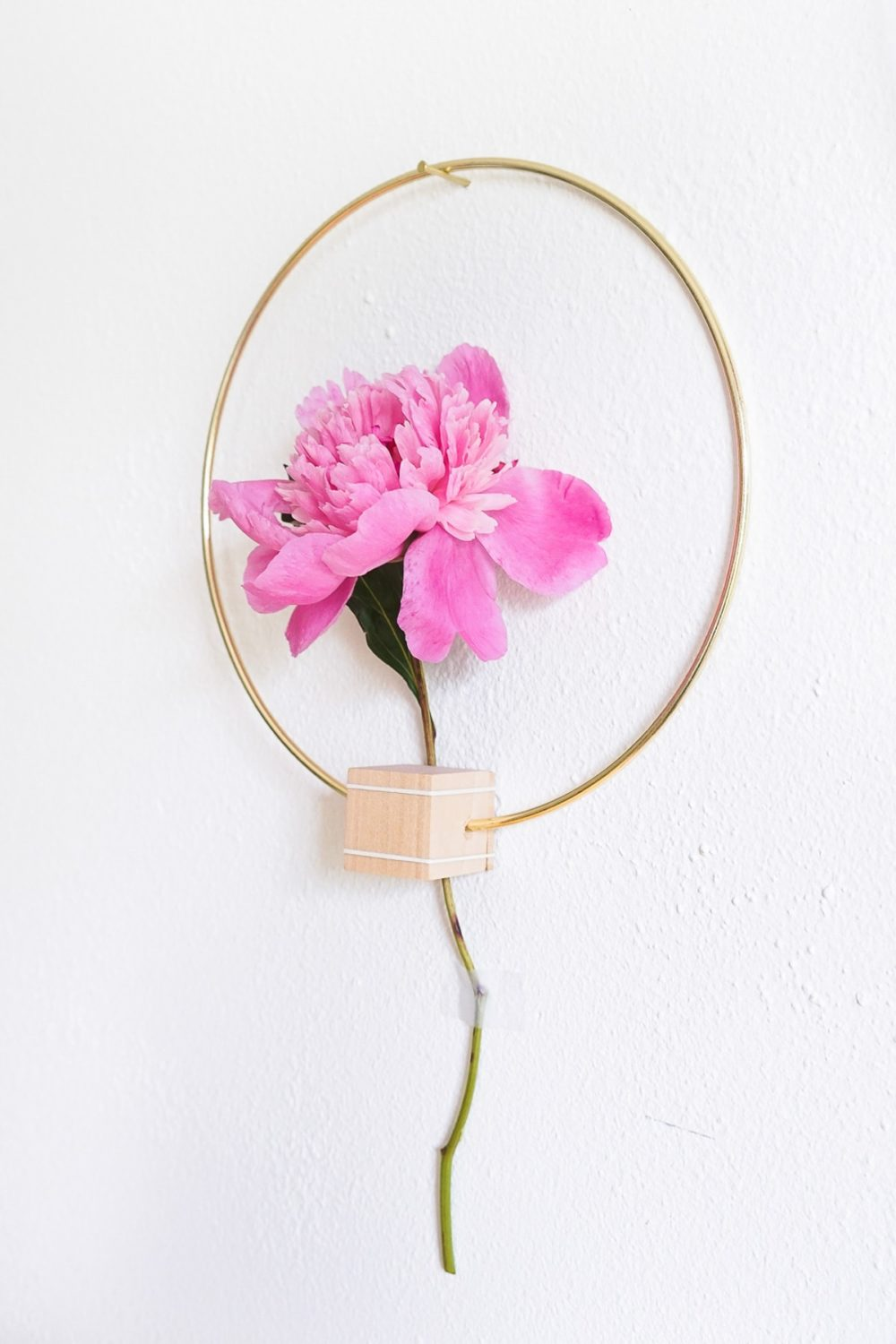 Minimalist Flower Wall Hang