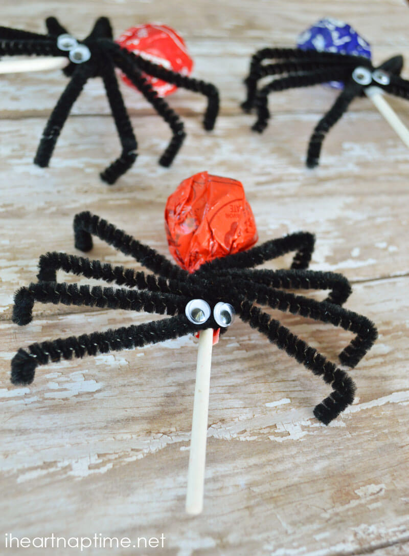 Spider Lollipops