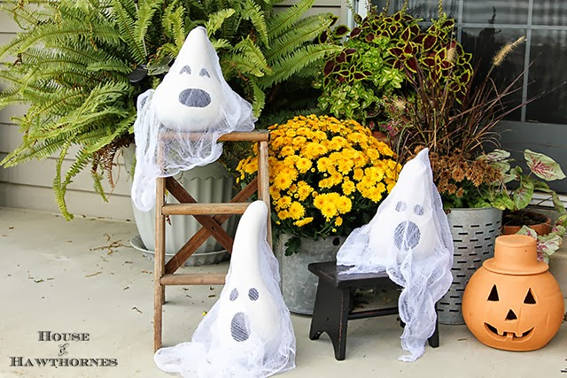 Halloween Ghosts Made From Gourds