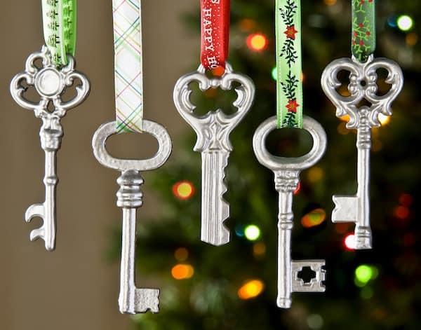 Simple Metallic Key Ornaments