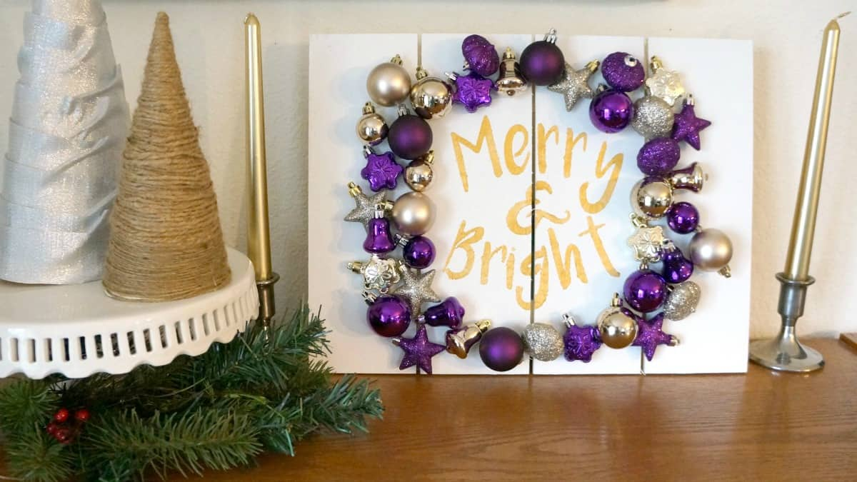 Christmas Ornament Pallet Sign