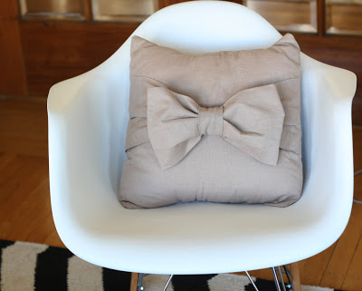 Big Bow Pillow