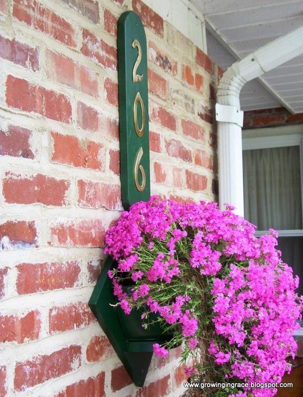 House Number Flower Hanger